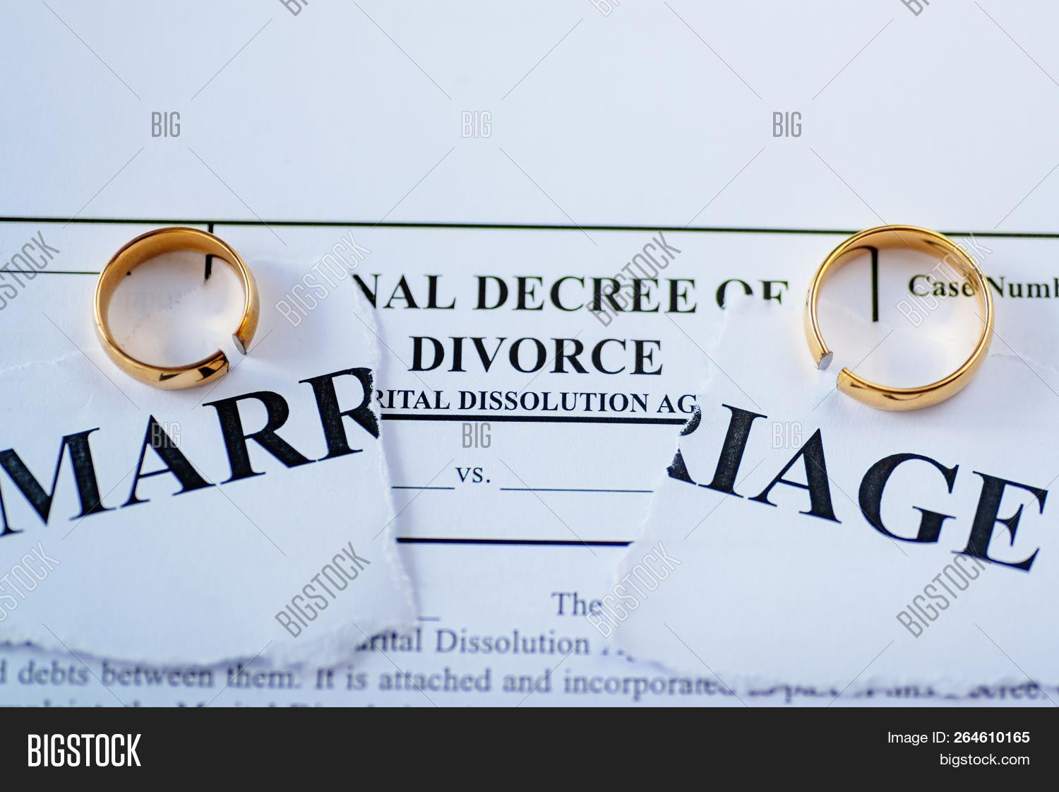 court,decree,divorce,document,family,law,lawyer,legal,marriage,paper,separation
