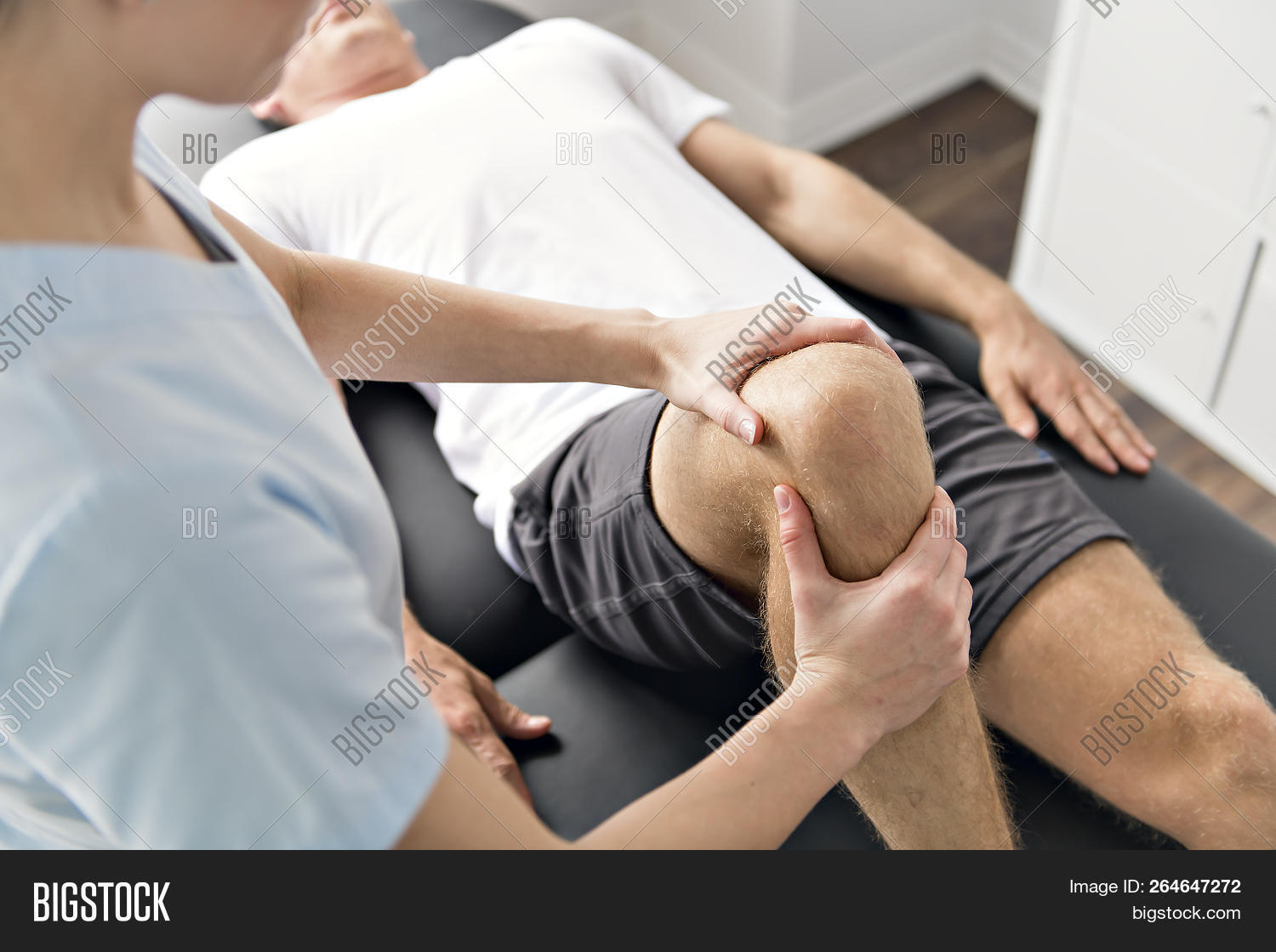 assistance,athletic,body,care,caucasian,chiropractor,clinic,diagnosis,doctor,exercise,female,full,hardening,heal,health,healthcare,injury,knee,leg,male,man,medical,medicate,medicine,muscles,occupation,patient,people,physical,physio,physiotherapist,physiotherapy,practice,profession,rehab,rehabilitation,room,senior,sport,stretch,stretching,tension,therapist,therapy,treatment,woman,work