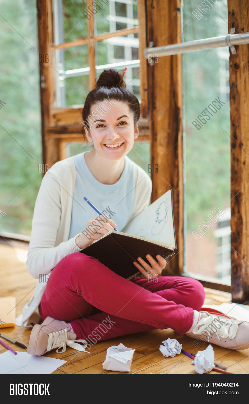 art,artist,attractive,authentic,beautiful,book,brunette,caucasian,college,conceptual,creative,creativity,designer,draw,education,european,exam,exercise-book,expression,female,feminist,fun,girl,happy,indoors,jeans,job,knowledge,laugh,learn,lifestyle,notebook,one,pencil,process,real,school,sketch,slim,smiling,student,study,summer,toned,university,white,woman,work,young