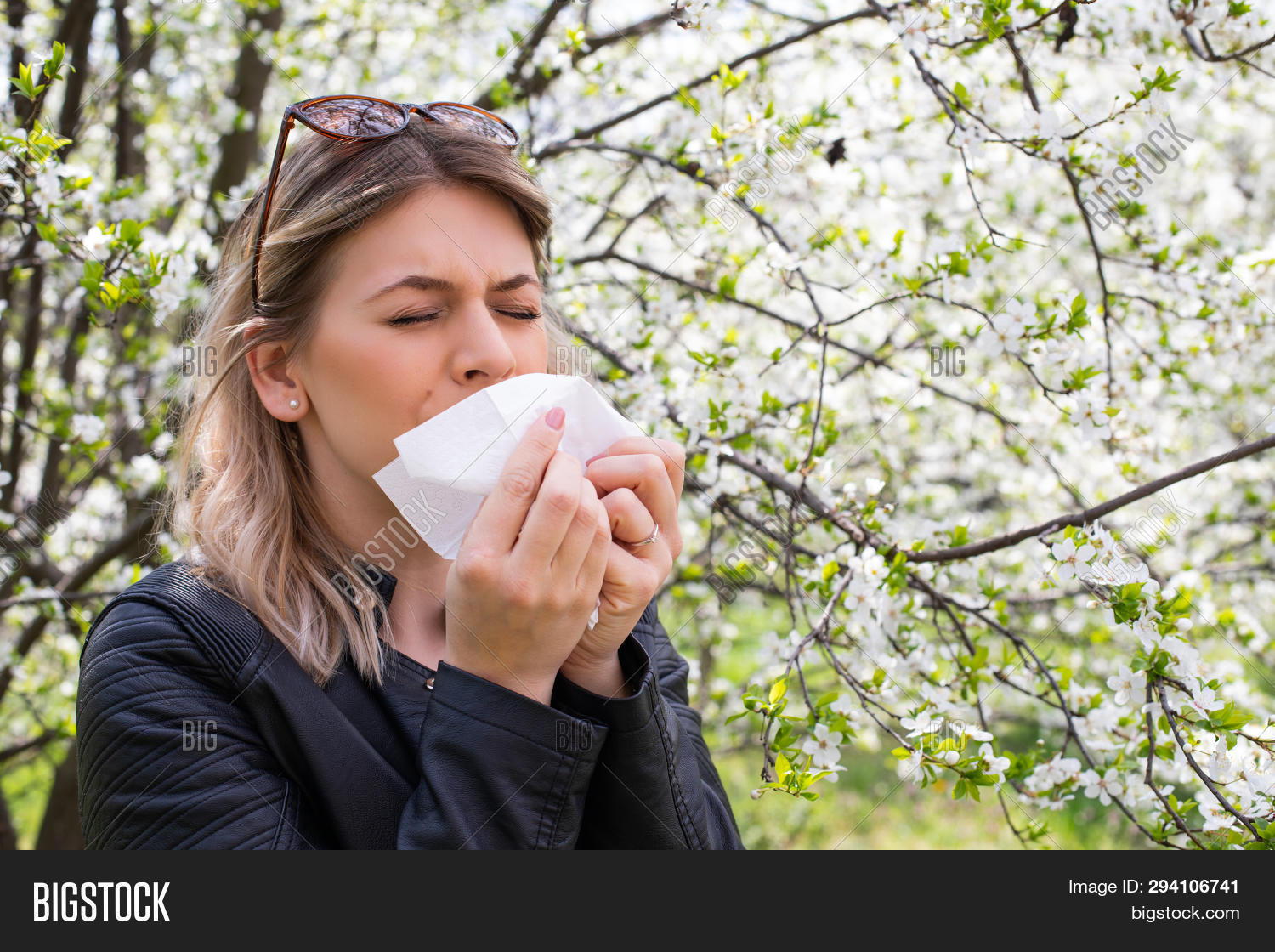 adult,allergic,allergy,asthma,beautiful,blossom,blowing,bronchodilator,chronic,close,female,fever,floral,flower,flu,garden,hand,health,healthcare,human,inhale,inhaler,leaf,meadow,medical,medicine,napkin,natural,nature,outdoor,park,people,person,pollen,pulmonary,reaction,season,sick,smell,sneeze,sneezing,spring,symptom,tissue,treatment,tree,up,virus,woman,young