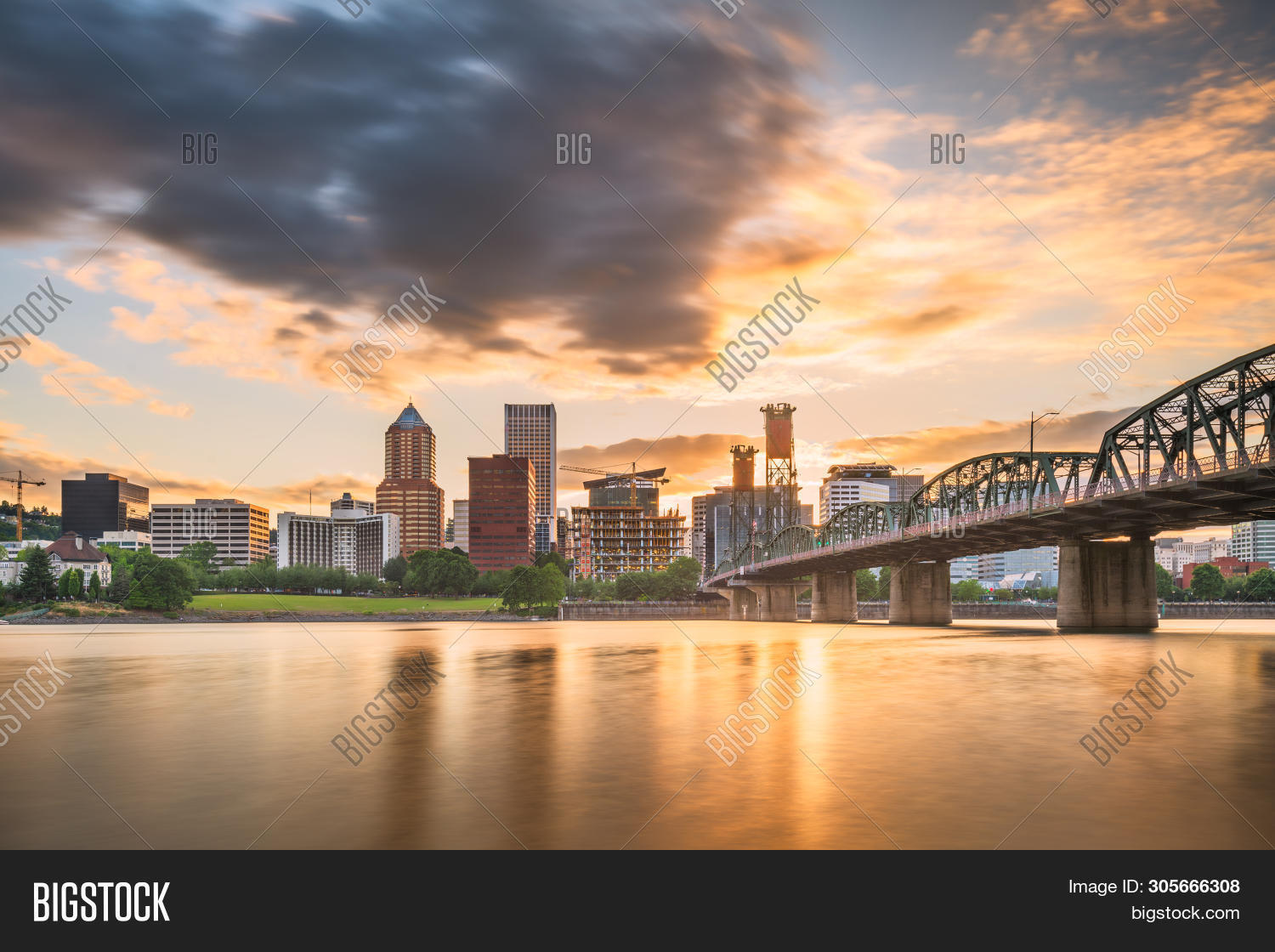apartments,architecture,blue,bridge,buildings,business,city,cityscape,dawn,district,downtown,dusk,evening,famous,financial,high rises,landmark,landscape,location,modern,night,northwest,offices,oregon,outdoors,pacific,panorama,park,place,portland,reflection,river,scene,scenery,scenic,sky,skyline,skyscrapers,sunrise,sunset,tourism,towers,town,travel,twilight,urban,view,water,willamette