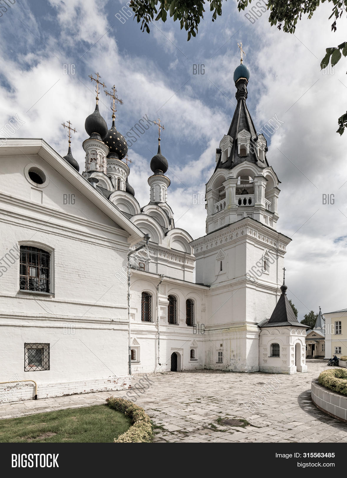 ancient,architecture,attraction,bell,blue,building,cathedral,christian,christianity,church,city,cross,culture,dome,exterior,faith,famous,historic,historical,history,landmark,monastery,monument,murom,old,orthodox,orthodoxy,outdoor,religion,religious,russia,saint,style,summer,temple,territory,tourism,tourist,tower,town,traditional,travel,white