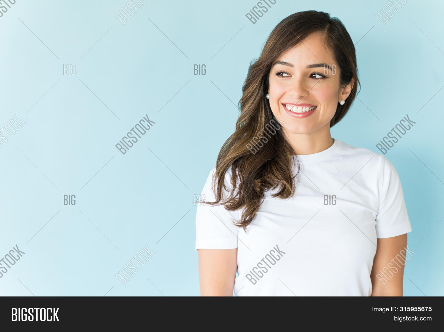 30s,Adult,Away,Background,Beautiful,Beauty,Blue,Brown,Casual,Caucasian,Confident,Contemplation,Copy,Cutout,Fashion,Front,Hair,Happy,Isolated,Lifestyle,Long,Looking,Makeup,Mid,Model,One,Person,Pretty,Proud,Smiling,Space,Standing,Studio,View,Waistup,White,Woman