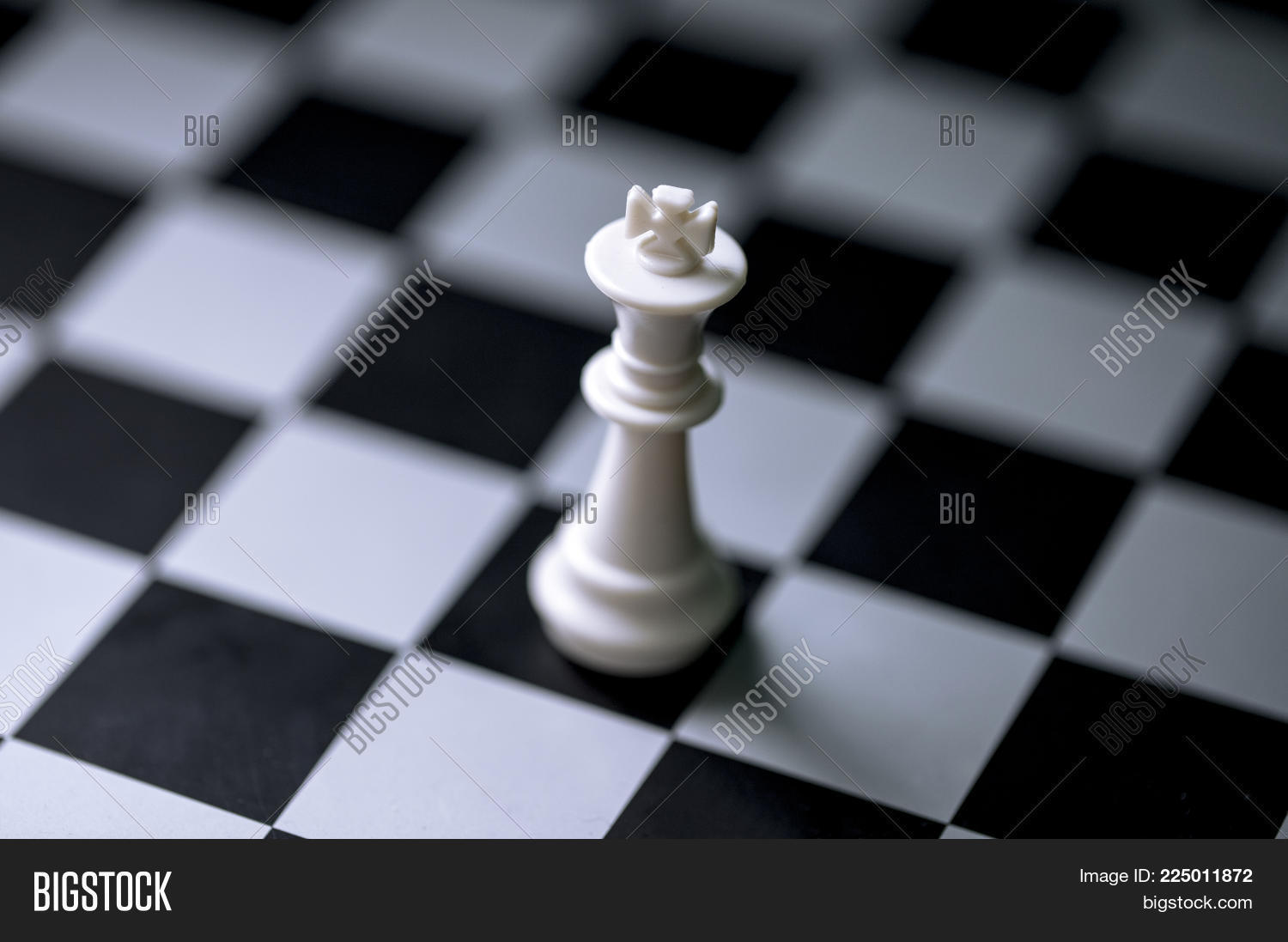 advantage,background,banner,battle,black,board,business,challenge,check,checkmate,chess,chessboard,closeup,competition,concept,conflict,decision,empty,fight,figure,game,intelligence,king,leader,leadership,leisure,line,lose,mate,minimal,move,object,photo,piece,play,process,rise,sport,stalemate,start,strategic,strategy,strong,success,table,teamwork,victory,white,win
