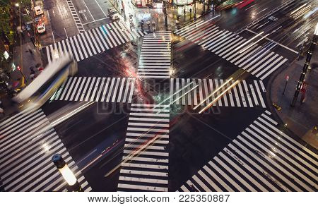 Mass of people crossing the street in Tokyo stock photo