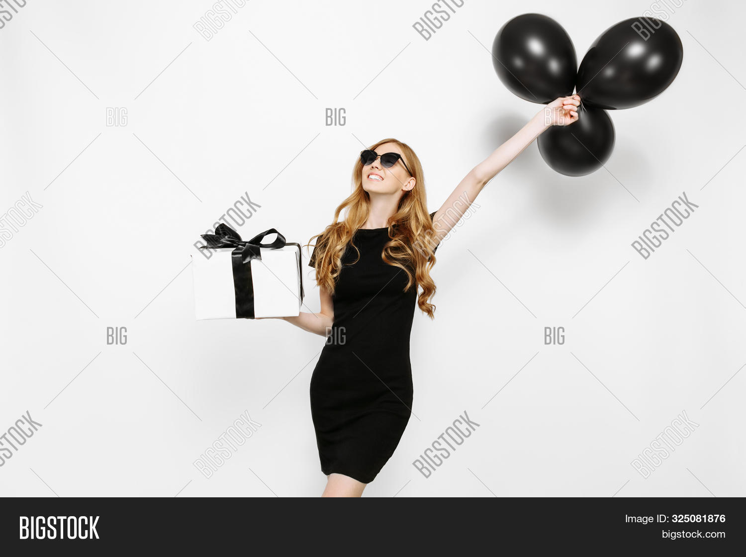 Beauty,Friday,Shopaholic,adult,attractive,background,beautiful,black,blonde,box,buyer,classic,consumer,copyspace,customer,cute,discounts,dress,elegance,elegant,excited,fashion,female,gift,girl,happy,holding,inquiry,isolated,lady,lifestyle,luxury,model,person,portrait,purchase,sale,shocked,shopping,style,surprise,trade,white,woman,women,young