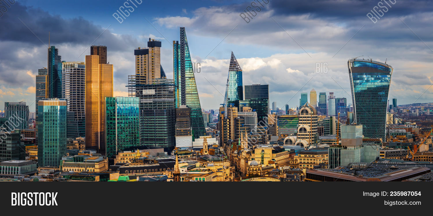 architecture,banking,blue,britain,british,building,business,canary,capital,city,cityscape,district,downtown,england,exchange,exterior,famous,finance,financial,garden,glass,global,golden,great,hour,international,kingdom,landmark,london,night,office,place,roof,scene,sky,skyline,skyscraper,stock,structure,sunset,tourism,touristic,tower,travel,uk,united,urban,view,wharf