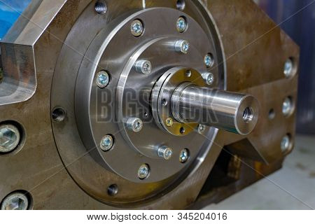Gearbox assembly, spline shaft with bearing for transmitting the flywheel into motion stock photo
