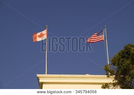 Surrey, British Columbia, Canada. Peace arch. Triumphal arch dedicated to the heroes of Canada and the USA, located on the Canada-US border. stock photo