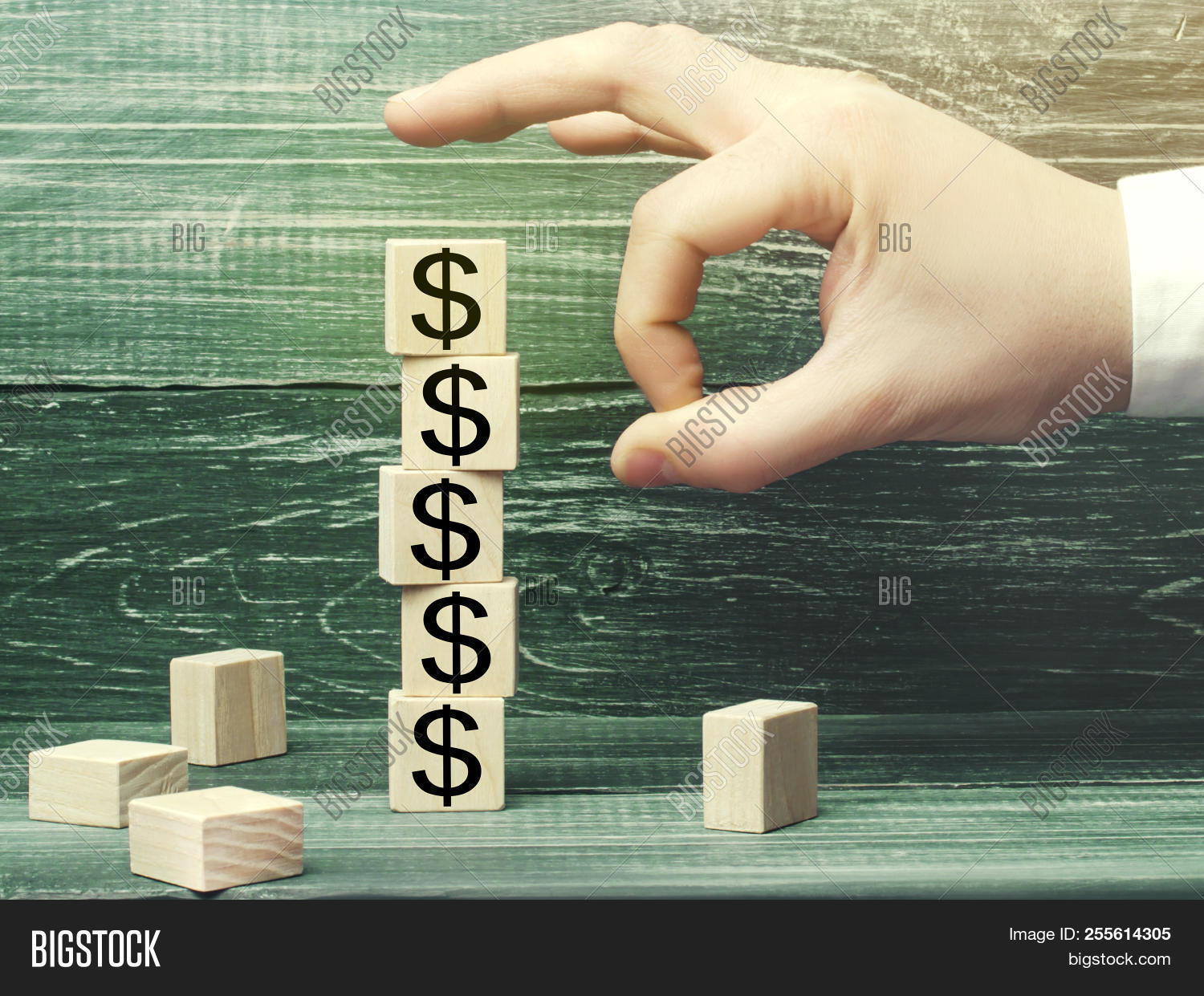 arrow,background,bankruptcy,broke,business,businessman,capital,cash,chart,concept,crash,crisis,currency,depression,diagram,dollar,down,downward,economic,economy,falling,finance,financial,graph,interest,line,losing,loss,low,man,market,money,outflow,panic,person,pressure,prices,profit,sabotage,showing,sign,small,stock,symbol,unsuccessful