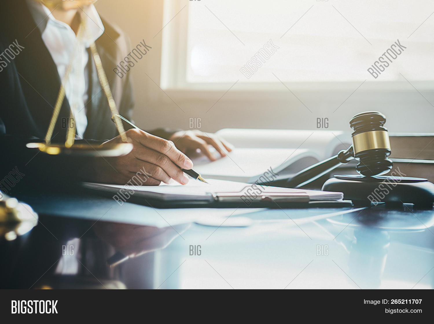 advice,advisor,agent,agreement,attorney,authority,background,barrister,business,communication,concept,consultant,consulting,contract,corporate,counsel,counseling,counselor,court,courthouse,courtroom,criminal,defendant,document,expert,expertise,finance,financial,guilt,happy,information,judge,judgment,justice,law,lawyer,legal,litigation,man,meeting,office,people,professional,punishment,rights,solicitor,support,symbol,trial,verdict