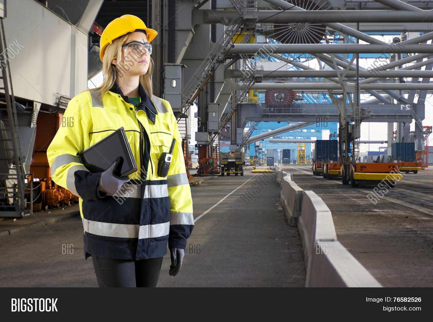 activity,assessing,assessment,automation,checking,coat,computer,construction,container,control,cranes,customs,derricks,dock,docker,economy,electronics,employment,environment,export,female,glasses,global,gloves,harbor,hard,hat,hr,human,import,industrial,industry,inspector,job,masculine,port,pretty,reflective,resources,risk,risk assessment,safety,safety glasses,steel,stern,structure,tablet,technology,tough,trolleys,woman,worker