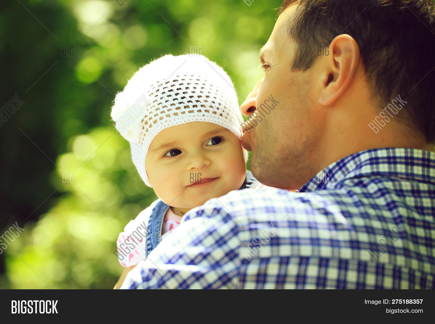 8325170944c 🔥 Father Kissing And Holding Small Daughter Baby Girl Cute Hazel ...