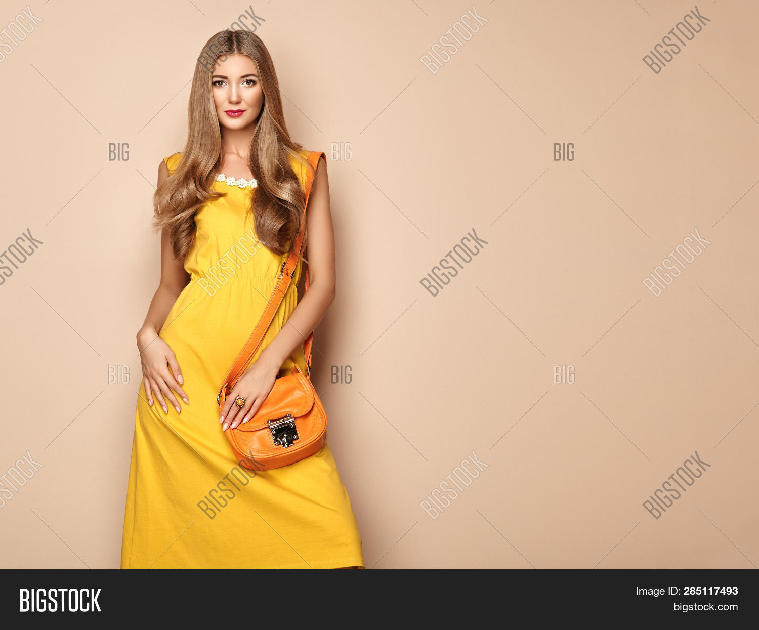 accessories,advertising,attractive,background,beautiful,beauty,beige,blonde,clothing,clutch,color,dress,fashion,fashionable,female,figure,girl,glamour,grace,hair,hairstyle,handbag,happy,isolated,lady,lifestyle,luxurious,makeup,manicure,model,orange,outfit,pink,portrait,posing,shopping,smile,spring,studio,stylish,summer,text,urban,vintage,vogue,woman,womanly,yellow,young