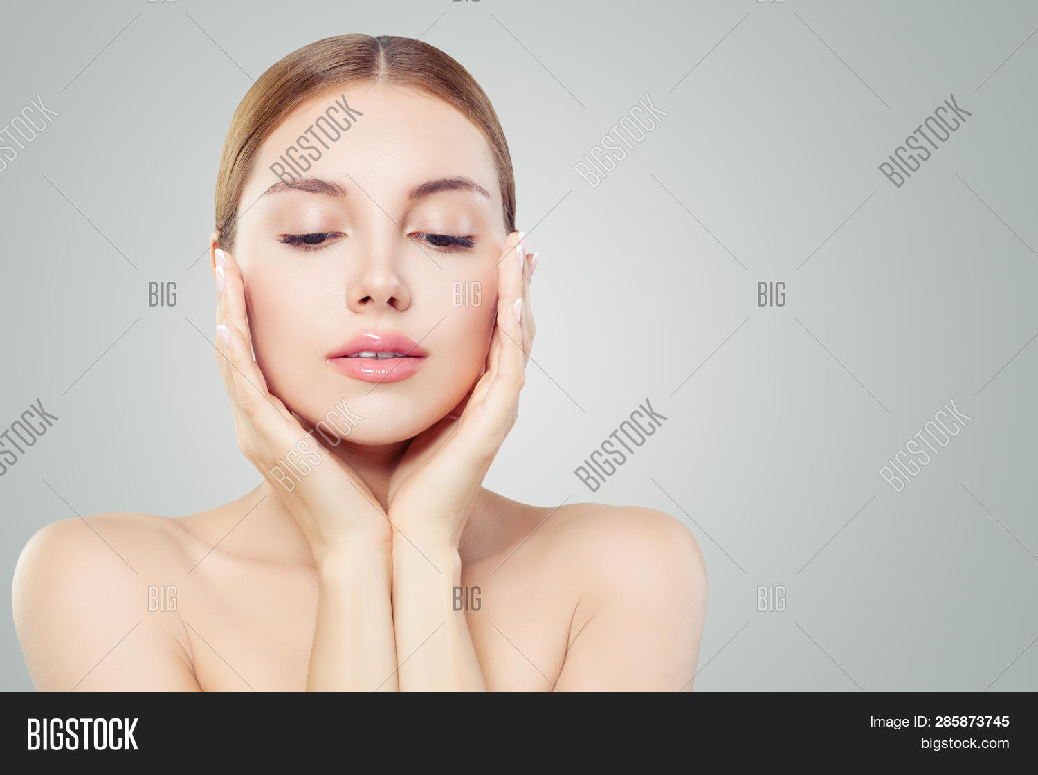 adult,aesthetic,age,aging,anti,antiage,antiaging,background,beautiful,beauty,blonde,care,cheek,cheerful,cosmetology,cute,eyes,face,facial,fashion,female,girl,hand,healthy,hydration,lady,lift,lifting,makeup,medicine,model,moisturizing,natural,plastic,skin,skincare,surgery,touch,treatment,white,woman,wrinkles,young