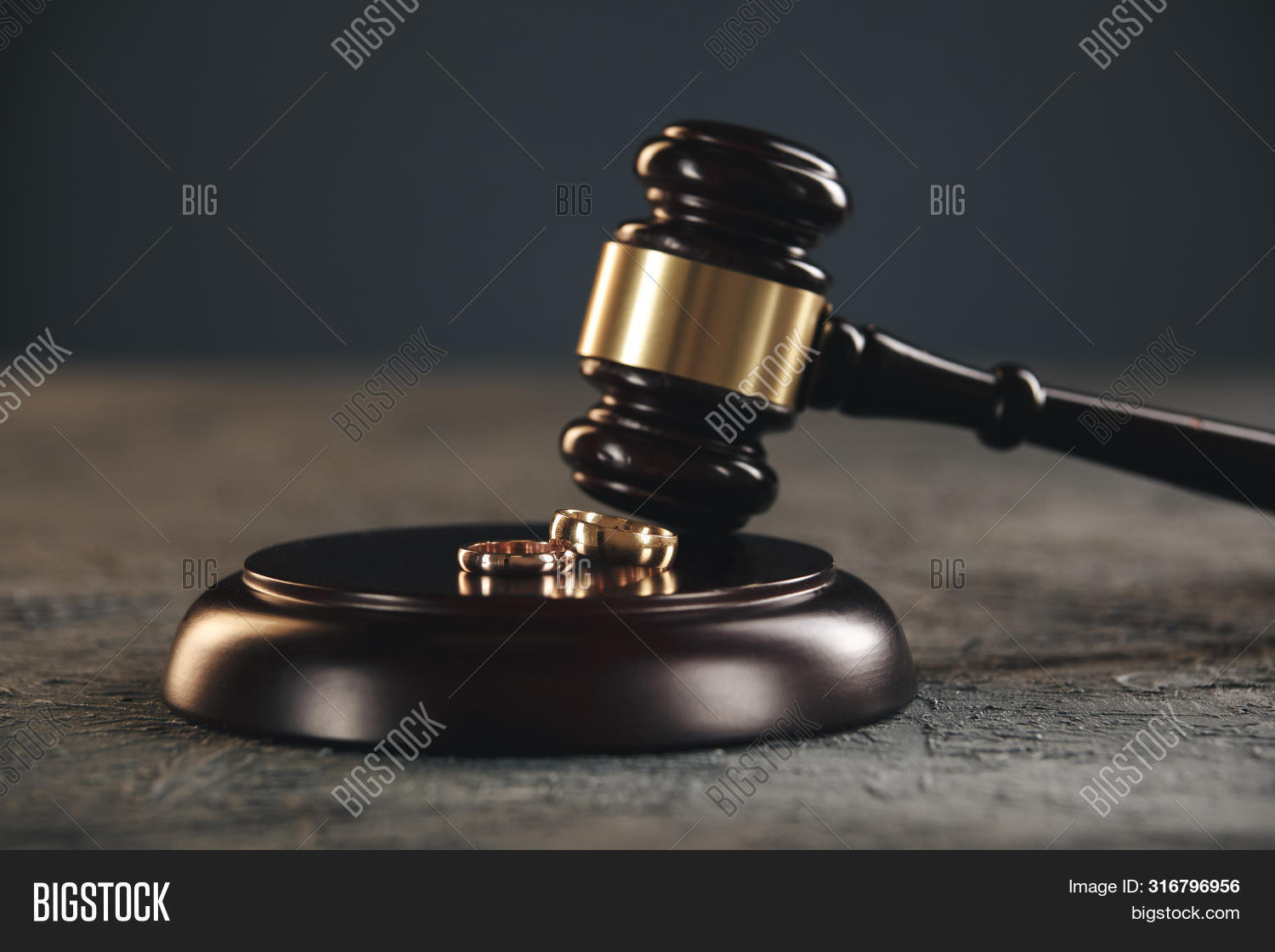 agreement,attorney,breakup,broken,civil,concept,conflict,contract,couple,court,courthouse,courtroom,divorce,end,engagement,family,gavel,golden,hammer,hand,judge,law,lawyer,legal,man,marriage,problem,proceeding,ring,sad,separation,split,spouse,two,wedding,wooden