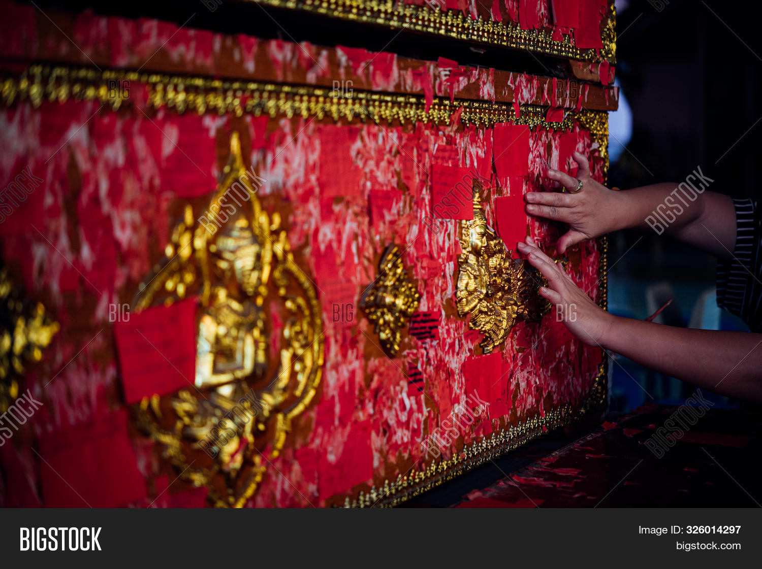 asia,asian,box,buddha,buddhism,buddhist,case,ceremony,closed,coffin,crate,culture,dark,dead,death,depression,donate,donation,ethnic,exotic,faith,female,folk,foundation,funeral,girl,grave,grief,holy,incense,intend,pray,prayer,religion,religious,rest,sacred,sacrifice,sad,shrine,spirit,temple,thai,thailand,tomb,wat,woman,wood,wooden,worship