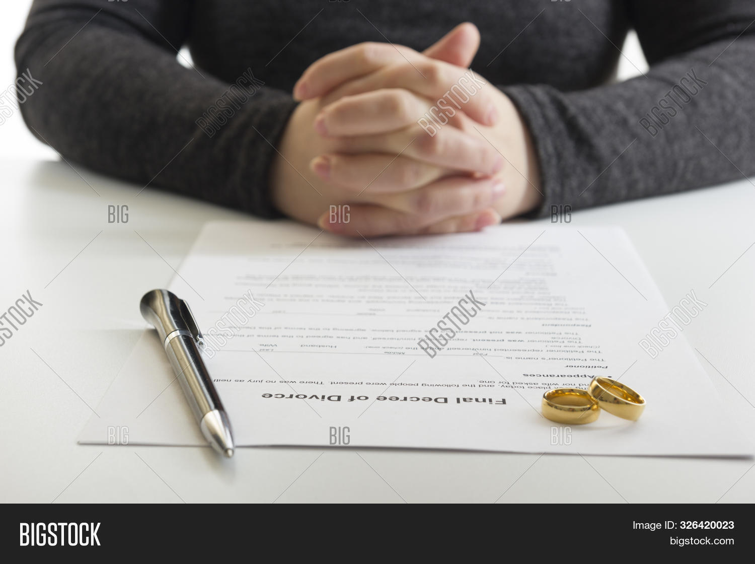 agreement,attorney,authority,break,breakup,cheating,civil,concept,conceptual,conflict,contract,couple,court,courthouse,decision,decree,disagreement,divorce,divorcement,document,end,family,female,gavel,hand,husband,infidelity,judge,judgement,law,lawyer,legal,love,man,marriage,over,paper,pen,relationship,ring,sad,separation,sign,single,split,spouse,termination,wedding,wife,woman