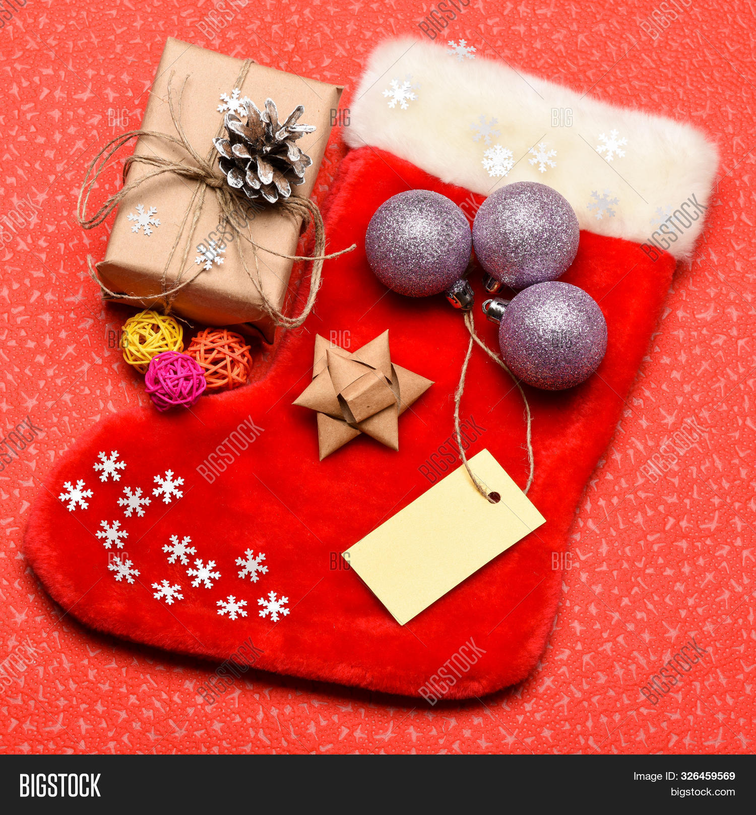 attribute,background,bag,ball,box,card,celebrate,celebration,christmas,decor,decorate,decorated,decoration,family,festive,gift,holiday,idea,keep,new,ornament,package,paper,red,sale,santa,season,shaped,shopping,sock,stocking,stuffers,tag,top,tradition,traditional,view,wood,xmas,year