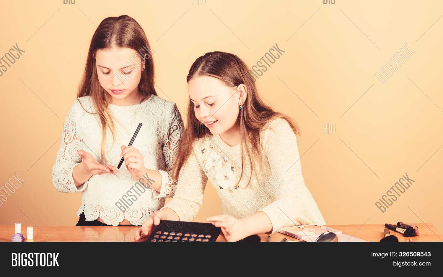 Salon And Beauty Treatment. Just Like Playing With Makeup. Makeup Courses. Children Little Girls Cho