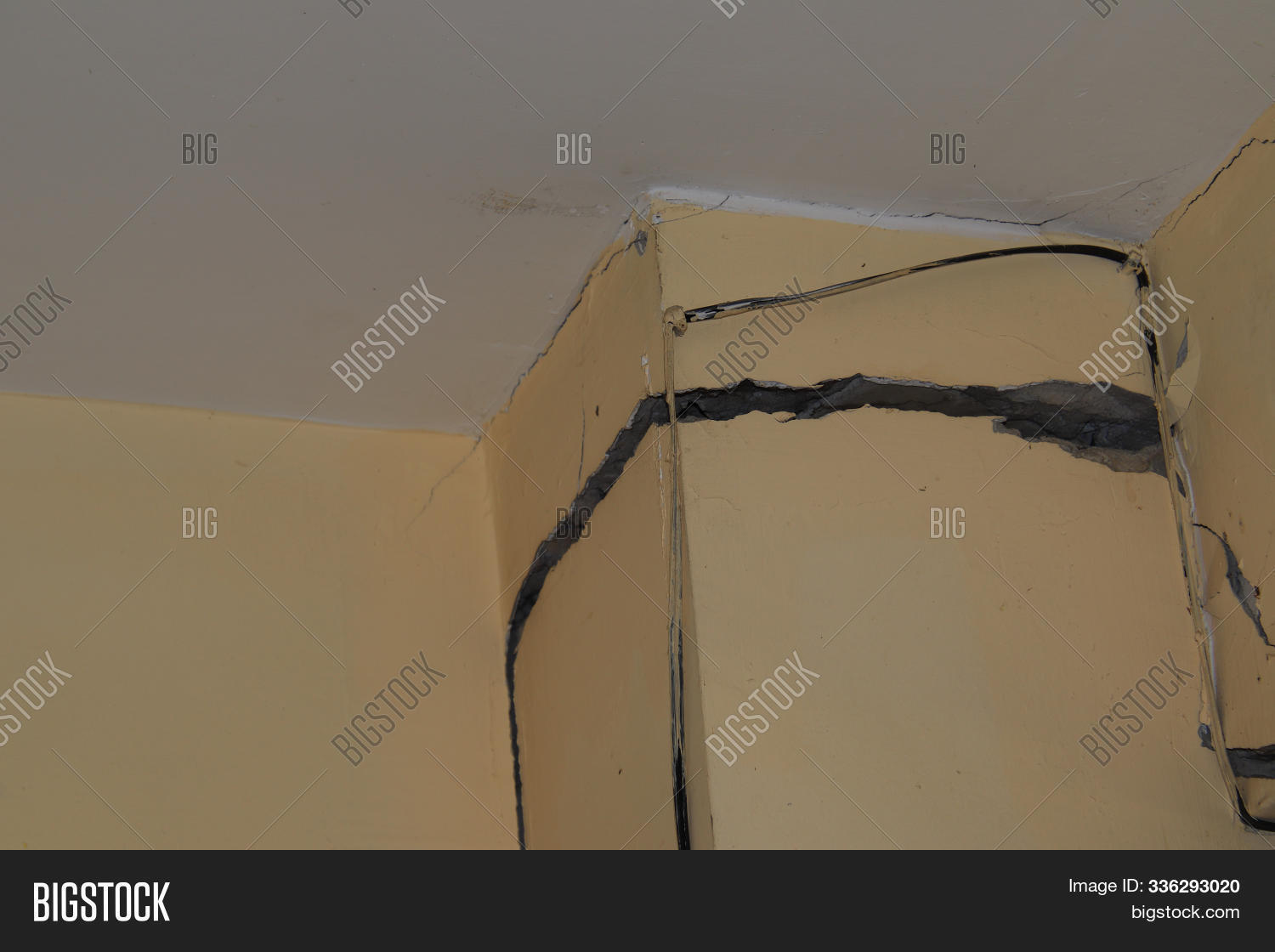 abstract,accident,architecture,backdrop,background,beam,broken,building,caution,cement,city,closeup,concrete,construction,crack,damage,danger,dangerous,destruction,dirty,earthquake,effect,engineer,engineering,floor,gray,grunge,home,house,industrial,iron,material,old,outdoor,pattern,pole,repair,rough,rust,rusty,salt,sea,site,steel,stone,structure,surface,texture,wall,white
