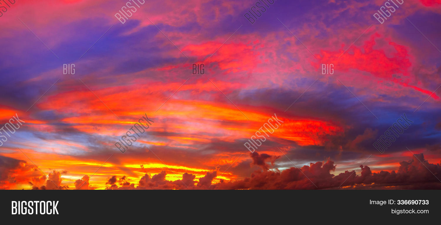 abstract,amazing,background,banner,cloud,cloudscape,cloudy,coloful,colored,colorful,colors,cumulus,dawn,digue,dramatic,dusk,evening,exotic,fluffy,formation,holiday,la,landscape,natural,nature,orange,outdoor,panorama,peaceful,picturesque,pink,purple,red,scenery,seychelles,sky,soft,sunrise,sunset,tranquil,tropic,tropical,twilight,vibrant,wallpaper,wide