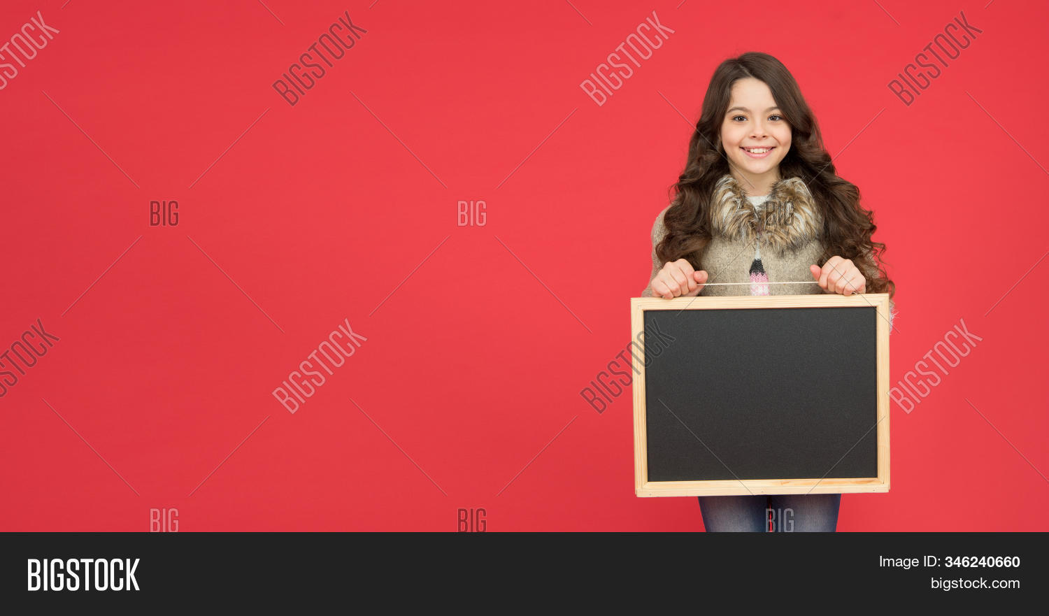 Winter activity advertisement. Time for winter holiday. Useful info. Winter shopping sales. Announcement board. Profitable deal. Happy girl blank blackboard. copy space. Important information.