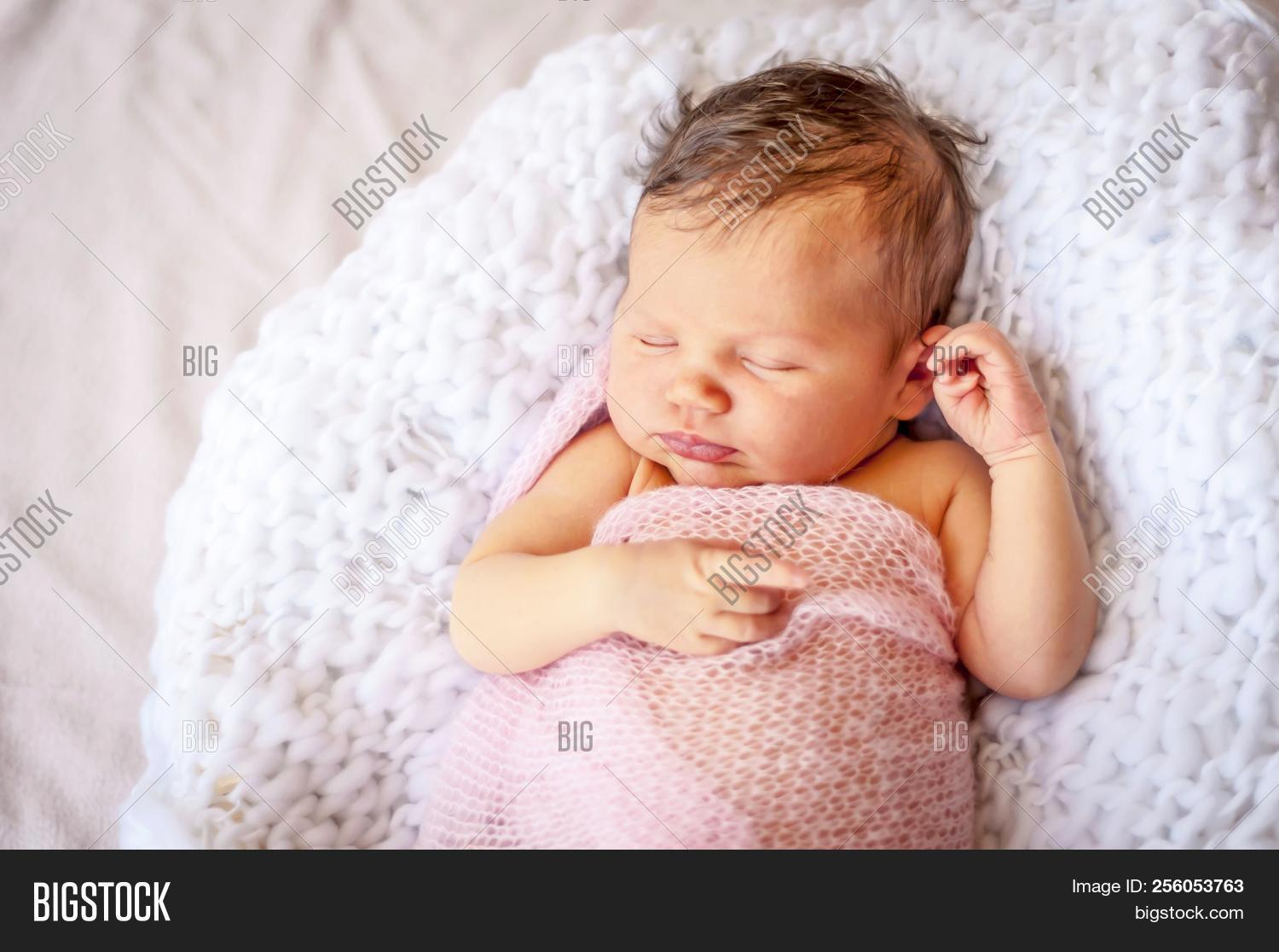 adorable,baby,beautiful,beauty,bed,care,caucasian,child,childhood,close,closeup,cute,daughter,days,dream,face,female,first,flower,girl,happy,healthy,human,image,infant,innocence,innocent,kid,life,little,model,new,newborn,person,photo,picture,pink,portrait,relax,session,sleep,small,soft,stock,sweet,tiny,toddler,up,white,young