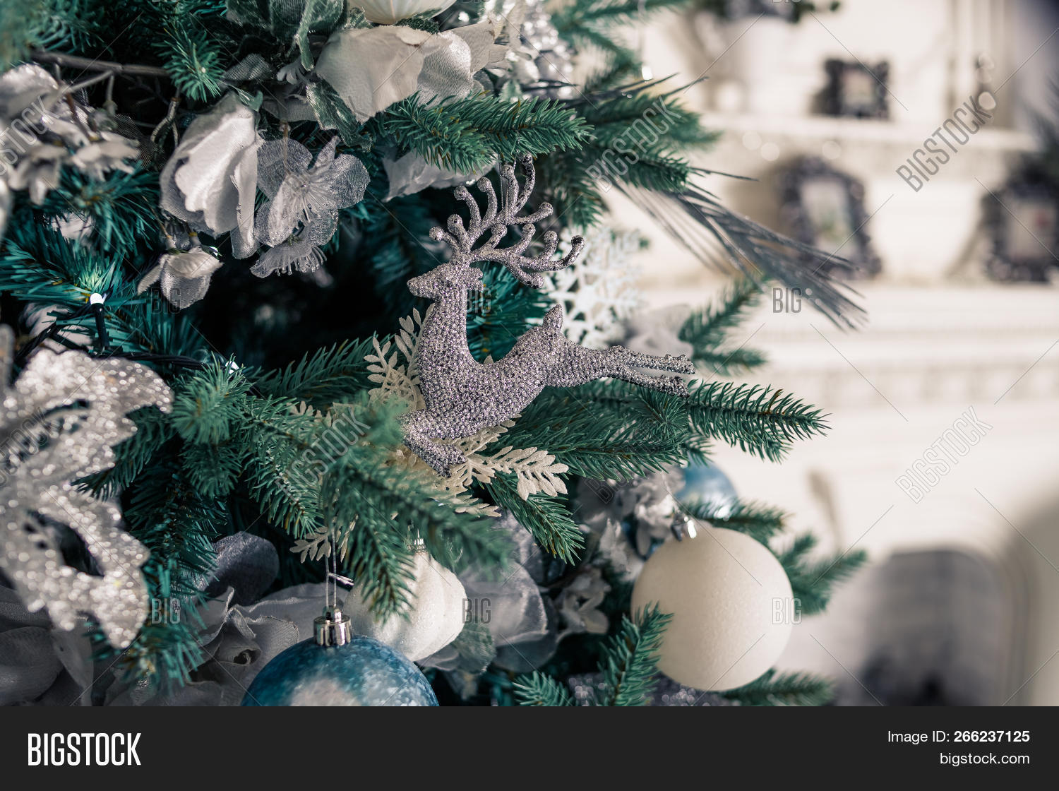 2019,abstract,advent,ball,bauble,blue,branch,bright,calendar,card,celebrate,celebration,christmas,close,color,colorful,december,decor,decorate,decoration,decorative,design,detail,festive,fir,gift,green,greeting,happy,holiday,light,merry,new,object,ornament,pine,ribbon,season,seasonal,shiny,silver,snow,sphere,tradition,traditional,tree,white,winter,xmas,year