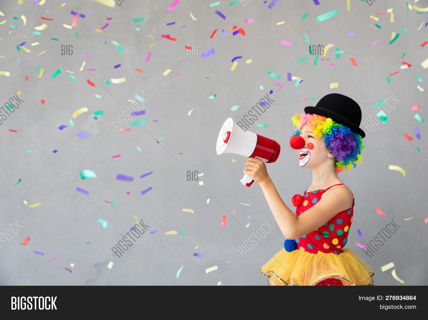 1,announce,april,bow,carnival,caucasian,celebration,cheerful,child,clown,colorful,communication,concept,confetti,copy,costume,day,face,fools,fun,funny,game,girl,halloween,happy,holiday,humor,joy,kid,megaphone,message,multicolor,nose,one,party,person,play,playful,poppers,portrait,shout,smile,space,speak,spring,surprise,tease,unusual,wig