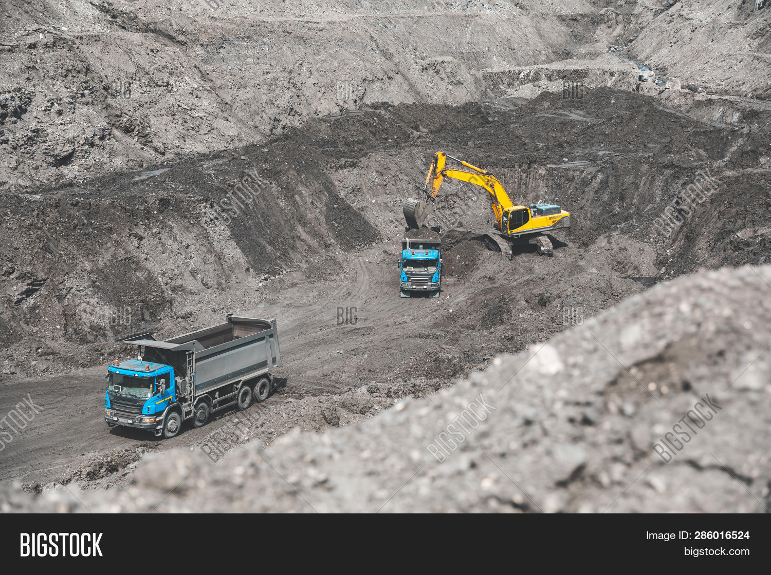 auto,automobile,belaz,big,car,career,cargo,coal,coalmining,digger,dump,dumper,dumptruck,earthmover,equipment,excavate,excavation,giant,ground,heavy,huge,industrial,industry,large,loader,lorry,machine,machinery,mine,miner,minerals,mining,mover,open,open-pit,opencast,pit,power,powerful,quarry,rock,tipper,tractor,transport,transportation,truck,yellow