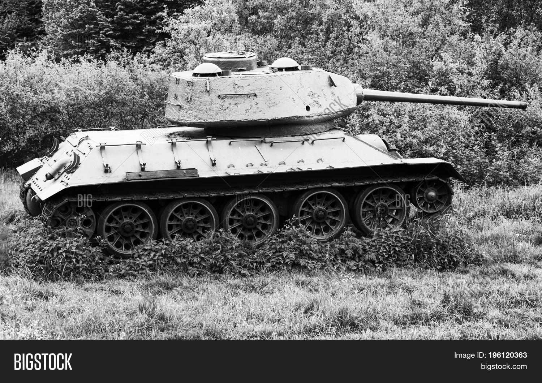 🔥 Soviet tank T-34 in Valley of death - Du