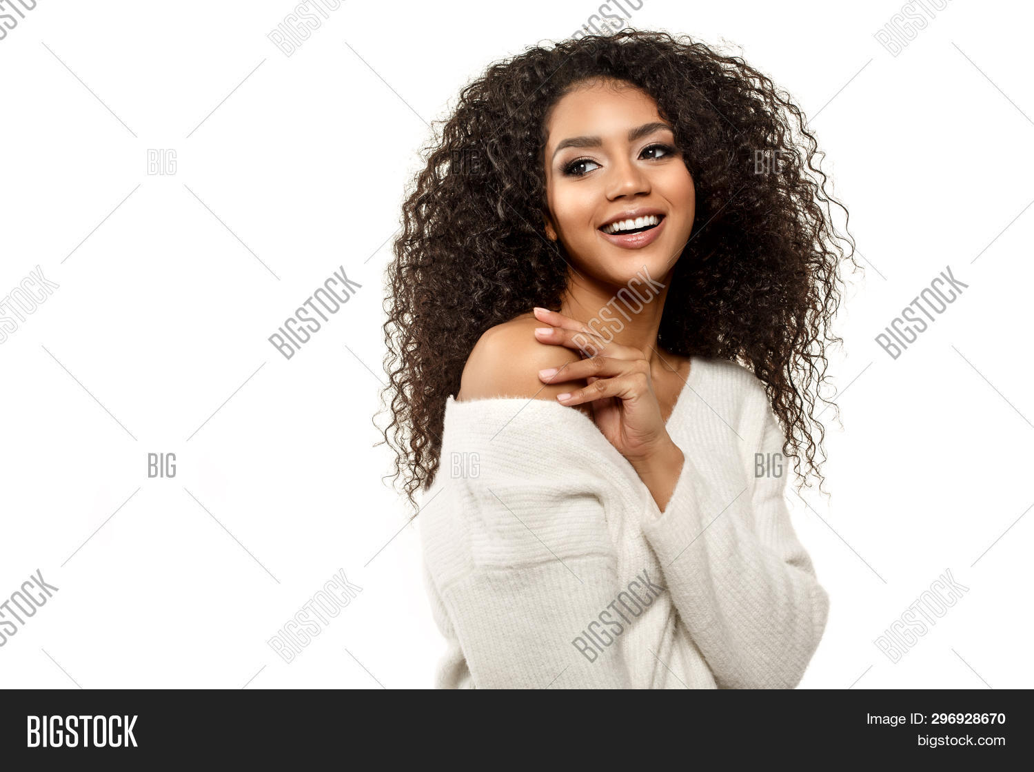 adult,african,afro,american,attractive,background,beautiful,beauty,black,casual,charming,cheerful,confident,cool,curly,cute,ethnic,face,facial,fashion,fashionable,female,girl,hair,hairstyle,happy,isolated,lady,laughing,lifestyle,makeup,model,natural,one,people,person,portrait,positive,shoulders,single,smile,smiling,spa,studio,stylish,teeth,trendy,white,woman,young