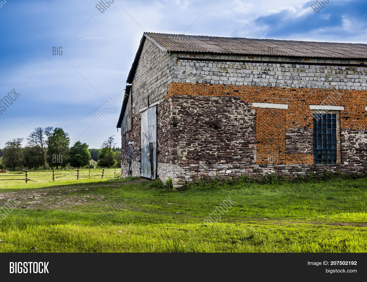 agriculture,architecture,barn,big,brick,building,construction,country,countryside,door,exterior,facade,farm,garage,green,house,large,nature,old,outdoor,red,roof,rural,shed,stone,vintage,wall,warehouse,wooden