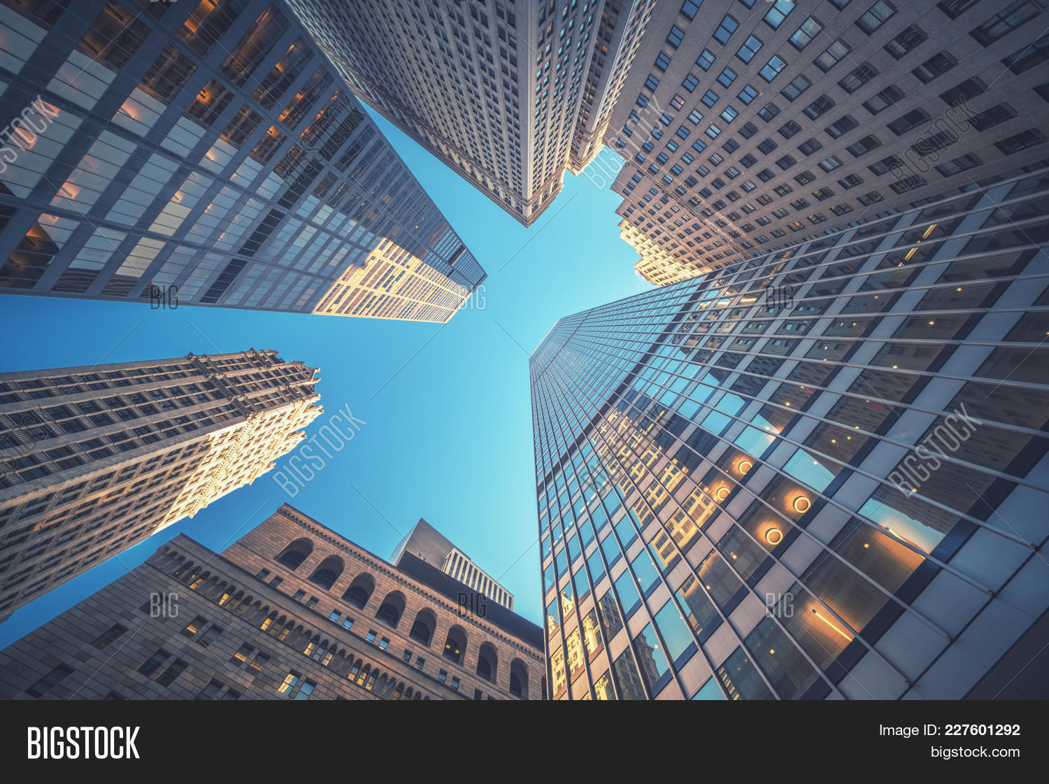 abstract,architecture,blue,building,business,center,city,commercial,construction,contemporary,corporate,design,downtown,economy,exterior,facade,finance,financial,futuristic,geometric,glass,light,manhattan,modern,new york,office,pane,pattern,perspective,property,public,real,reflect,reflection,simple,sky,skyscraper,steel,street,structure,success,sun,tall,technology,top,transparent,urban,wall,wall street,window