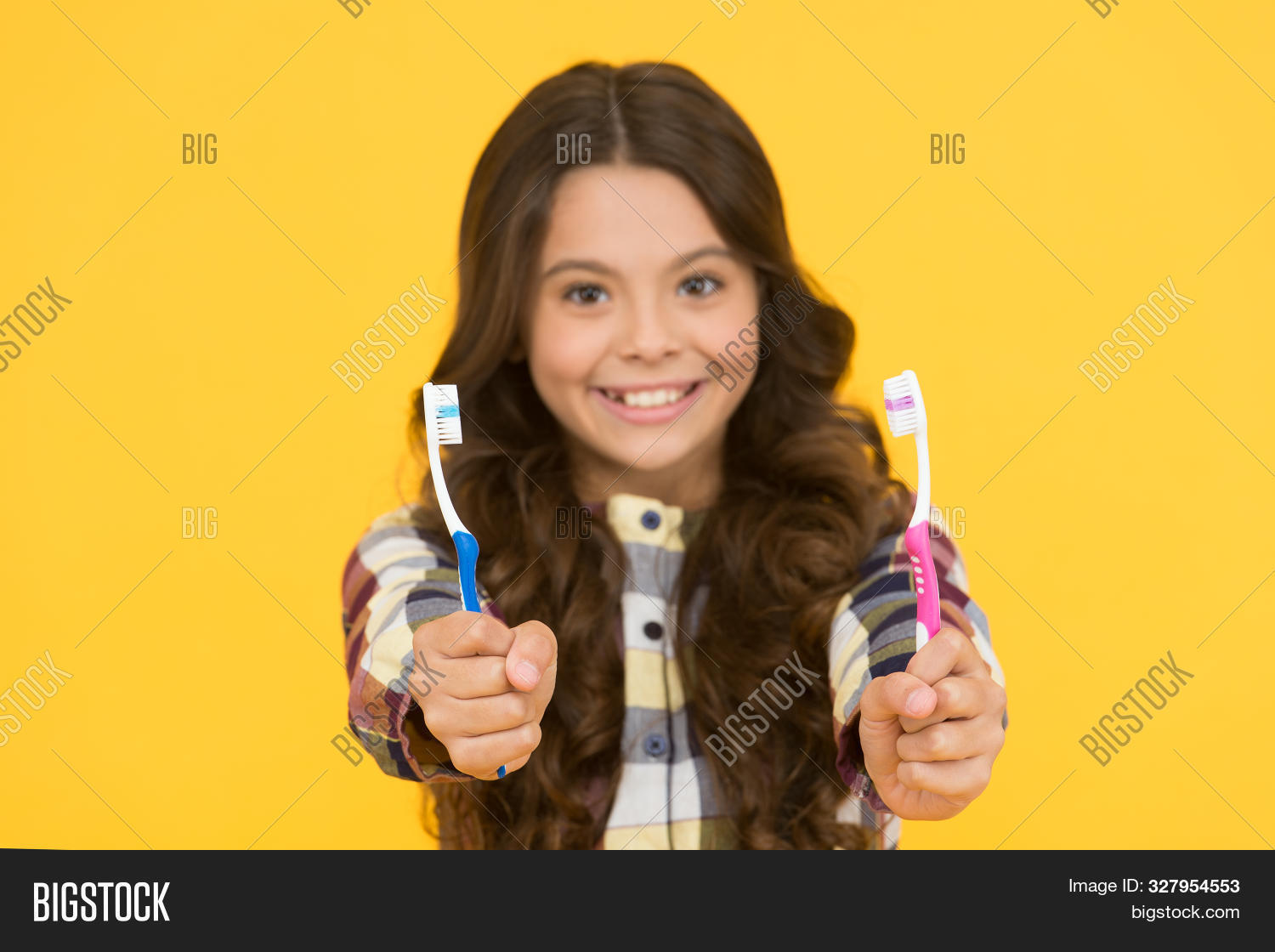 adorable,baby,background,beauty,brunette,brush,care,caries,caucasian,child,childhood,clean,cute,daily,dental,dentist,fresh,girl,happy,health,healthcare,healthy,hygiene,kid,lifestyle,little,medicine,morning,mouth,oral,paste,procedure,routine,small,smile,teeth,tooth,toothbrush,toothbrushes,toothpaste,treatment,wellbeing,white,whitening,yellow