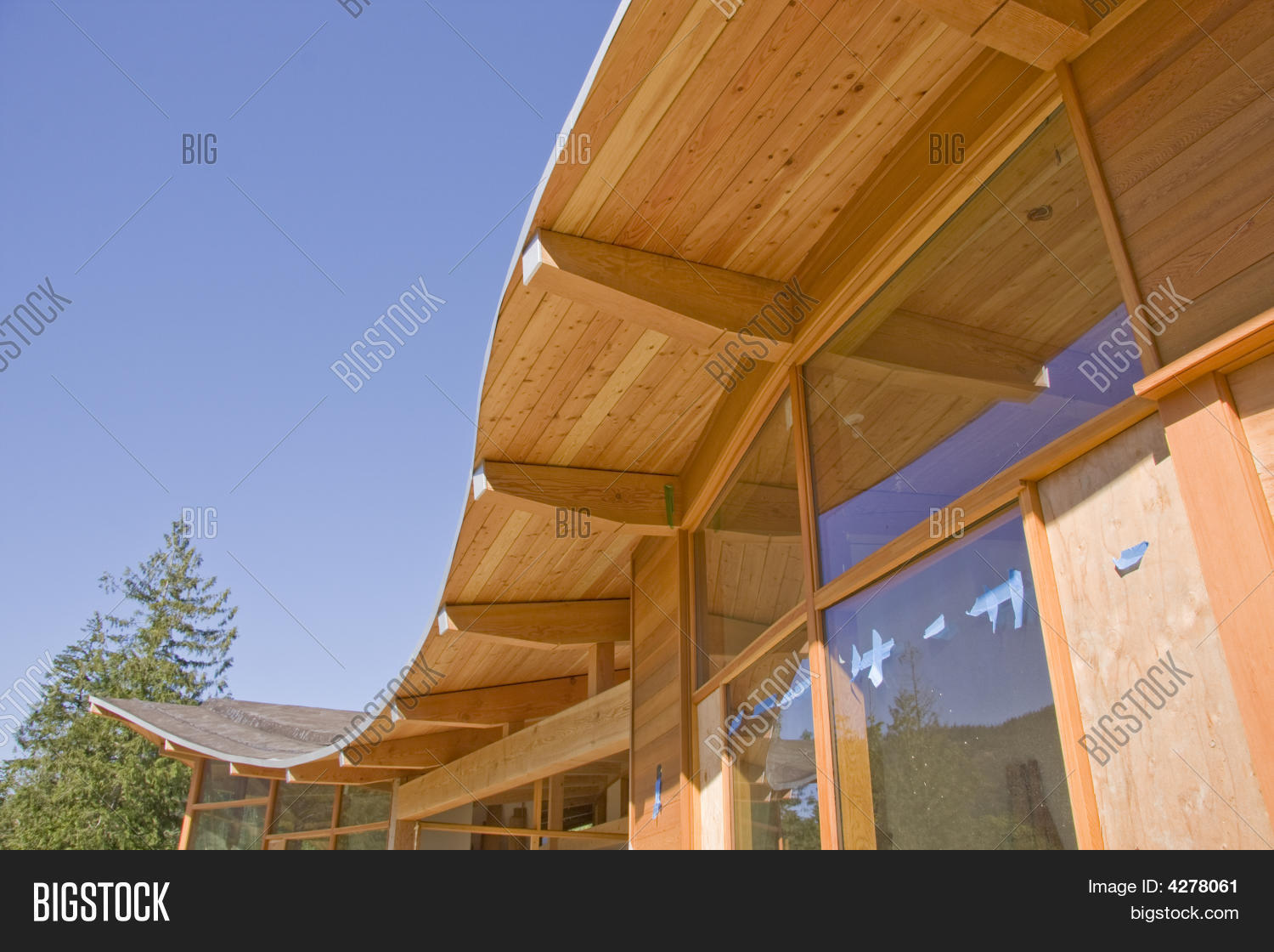 Timber Frame House Curved Roof Construction 4278061 Image