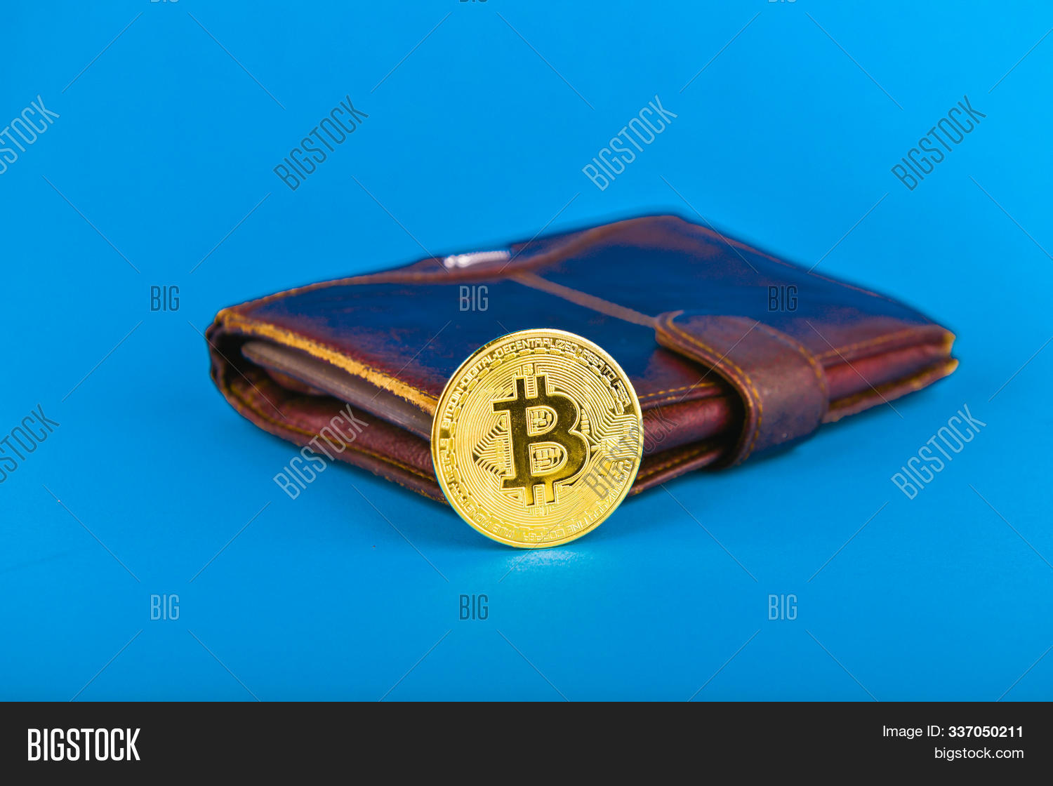 attachment,background,bank,banking,bit,bitcoin,business,cart,cash,code,coin,concept,conceptual,contribution,crypto,currency,electronic,euro,exchange,finance,financial,gold,golden,hand,internet,invest,investing,investment,investor,letters,market,marketing,metal,money,net,network,news,newsletter,newspaper,payment,person,rich,save,technology,trade,trader,tradesman,virtual,web
