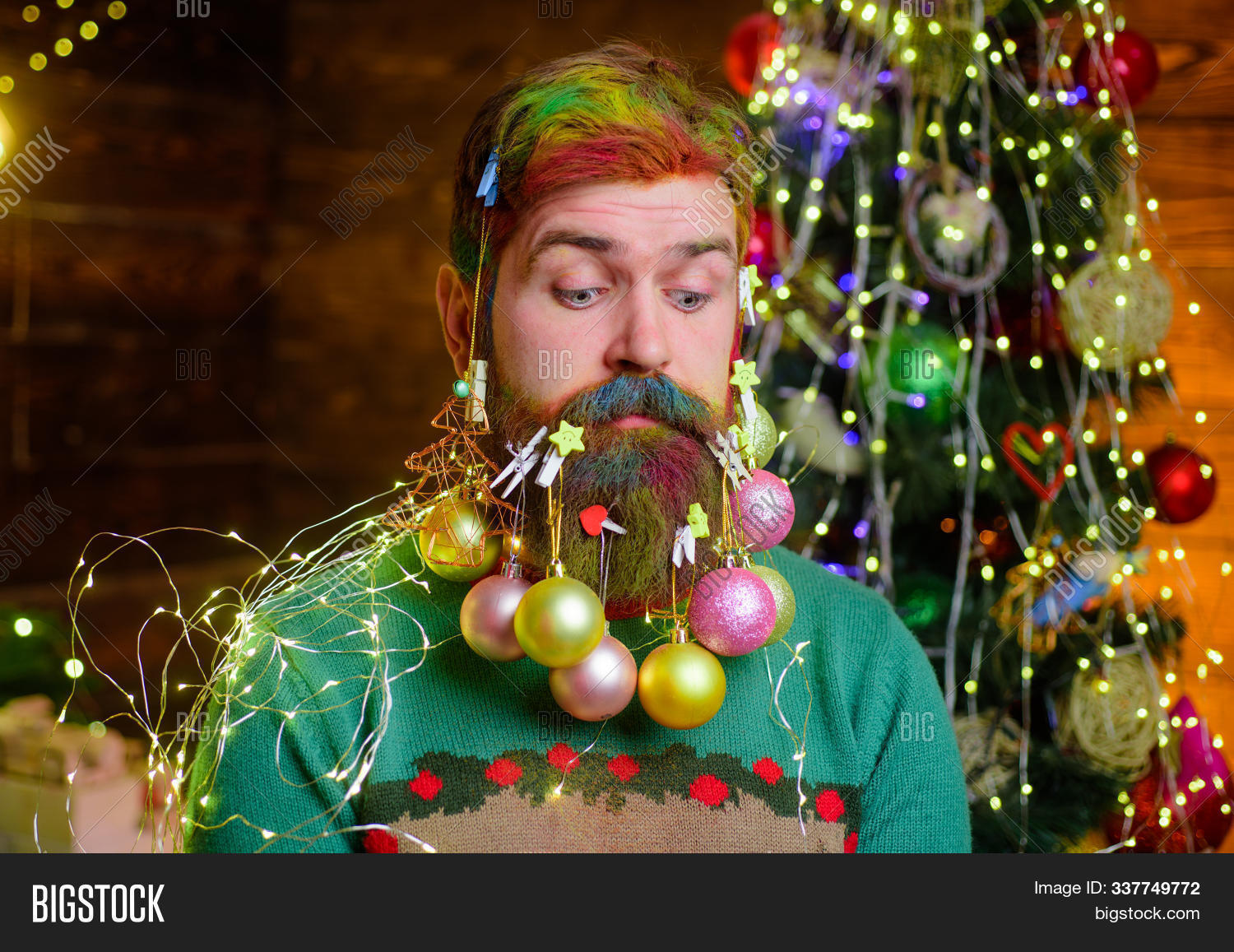 ball,beard,bearded,celebrate,celebrating,celebration,christmas,claus,clothes,costume,creative,december,decor,decorate,decoration,decorative,design,emotion,fashion,festive,fir-tree,garland,happy,holiday,idea,jersey,male,merry,modern,party,pullover,santa,season,seasonal,stylish,surprise,surprised,sweater,time,traditional,warm,weekend,winter,wintry,wishes,xmas