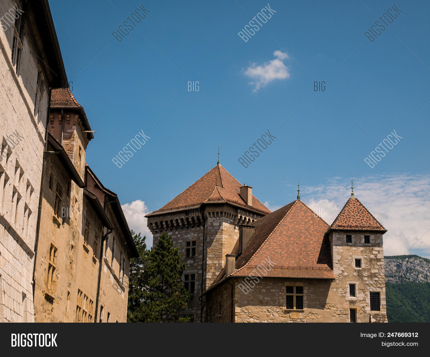 alps,ancient,annecy,architecture,blue,bridge,building,canal,castle,chateau,city,dark,europa,europe,european,exterior,famous,france,french,haute-savoie,historic,house,illuminated,isle,lake,landmark,light,medieval,mountain,night,old,outdoors,palace,palais,prison,reflection,rhone-alpes,river,savoie,sky,stone,street,tour,tourism,tower,town,travel,urban,village,water