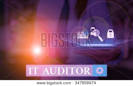 Writing note showing It Auditor. Business photo showcasing demonstrating authorized to review and verify the accuracy of the system. stock photo