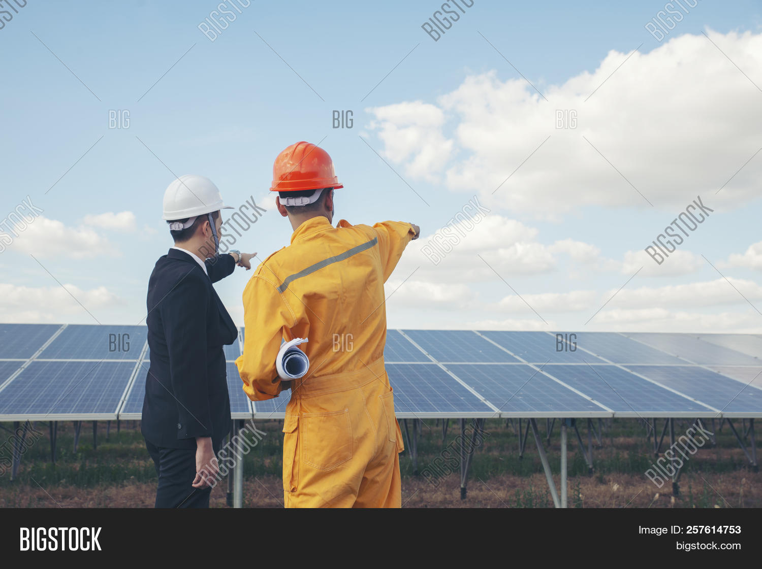 background,blueprint,building,business,clean,concept,construction,contractor,electrical,employee,energy,engineer,environment,equipment,foreman,green,hard,hardhat,hat,health,helmet,holding,industrial,industry,job,labor,looking,male,manager,men,occupation,officer,orange,panel,people,person,plant,power,professional,project,safety,site,solar,suit,sustainable,technician,wearing,work,worker