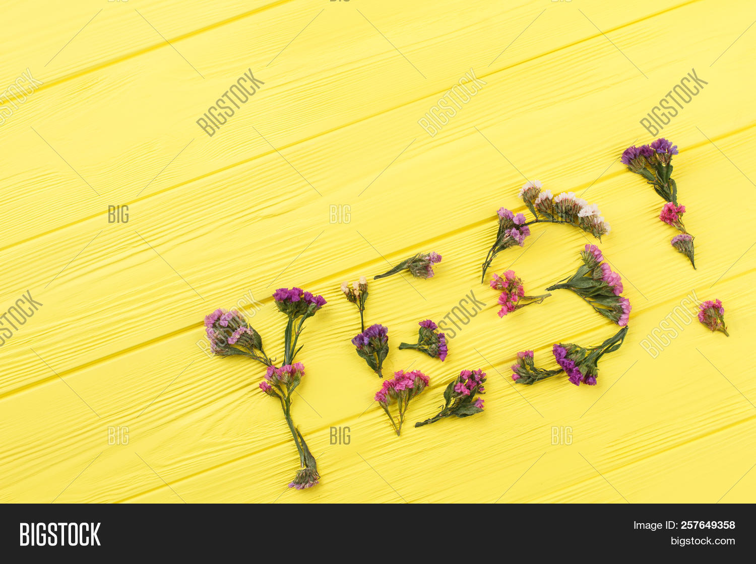 Statice flowers forming statice flowers top view yellow wooden arrangement mightylinksfo