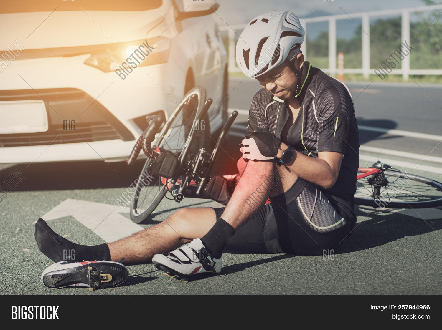 accident,aid,asia,asphalt,background,bicycle,bicyclist,bike,biker,biking,black,boy,broken,car,collision,crash,cycling,cyclist,damage,dangerous,dawn,drive,driver,drunk,emergency,exercise,fast,first,helmet,injured,injury,insurance,man,people,person,race,rescue,ride,rider,road,speed,sports,street,traffic,transportation,vehicle,young
