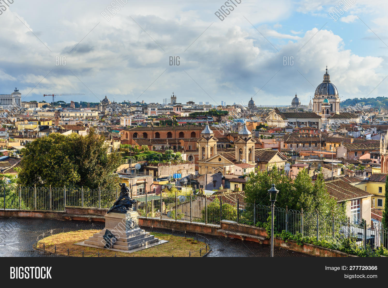 View On Rome City From Terrazza Viale Del Belvedere