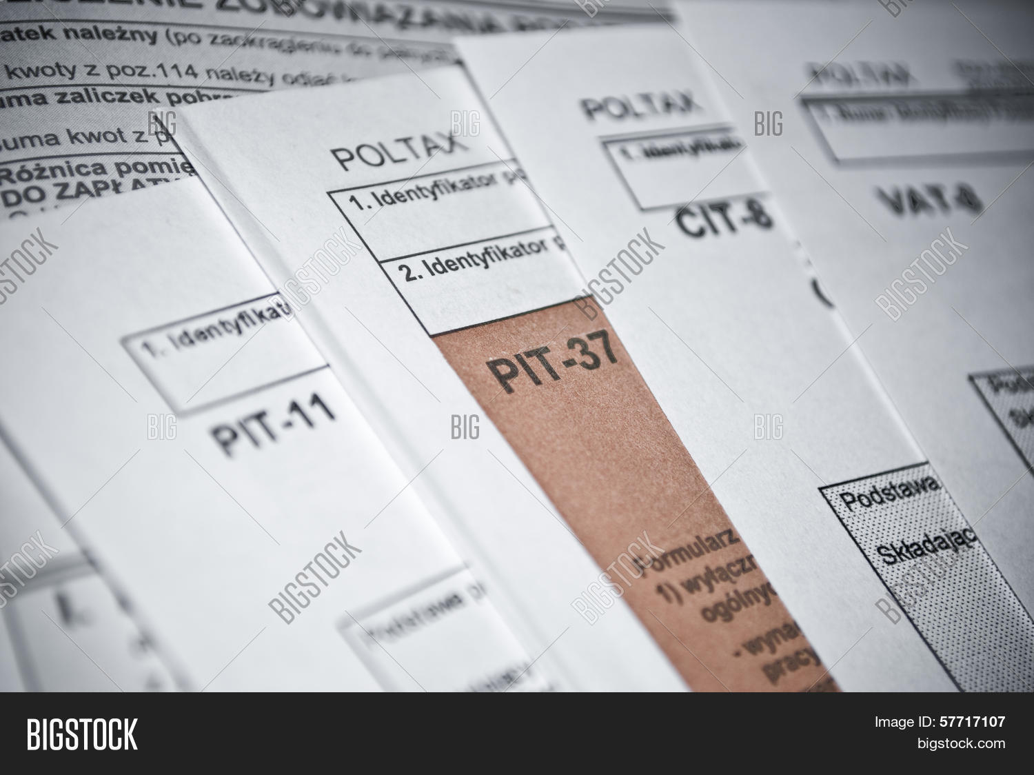 37,1040,abstract,accountant,american,annual,background,balance,bill,budget,business,calculate,calculator,cash,cit,company,concept,document,entrepreneurship,figure,fill,finance,financial,form,income,individual,irs,law,money,office,outcome,paper,paperwork,payment,personal,pit,polish,print,profit,refund,return,savings,social,tax,taxation,tax time,time,value,vat,white