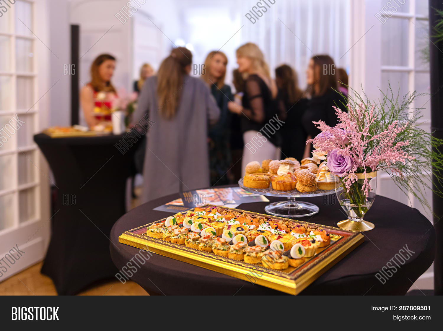 background,banquet,blur,brunch,buffet,business,catering,celebration,corporate,decoration,delicious,dining,dinner,eat,enjoyment,events,festive,food,group,happy,hospitality,indoor,lunch,luxury,meal,party,people,plate,reception,restaurant,serve,service,snacks,table,wedding,white