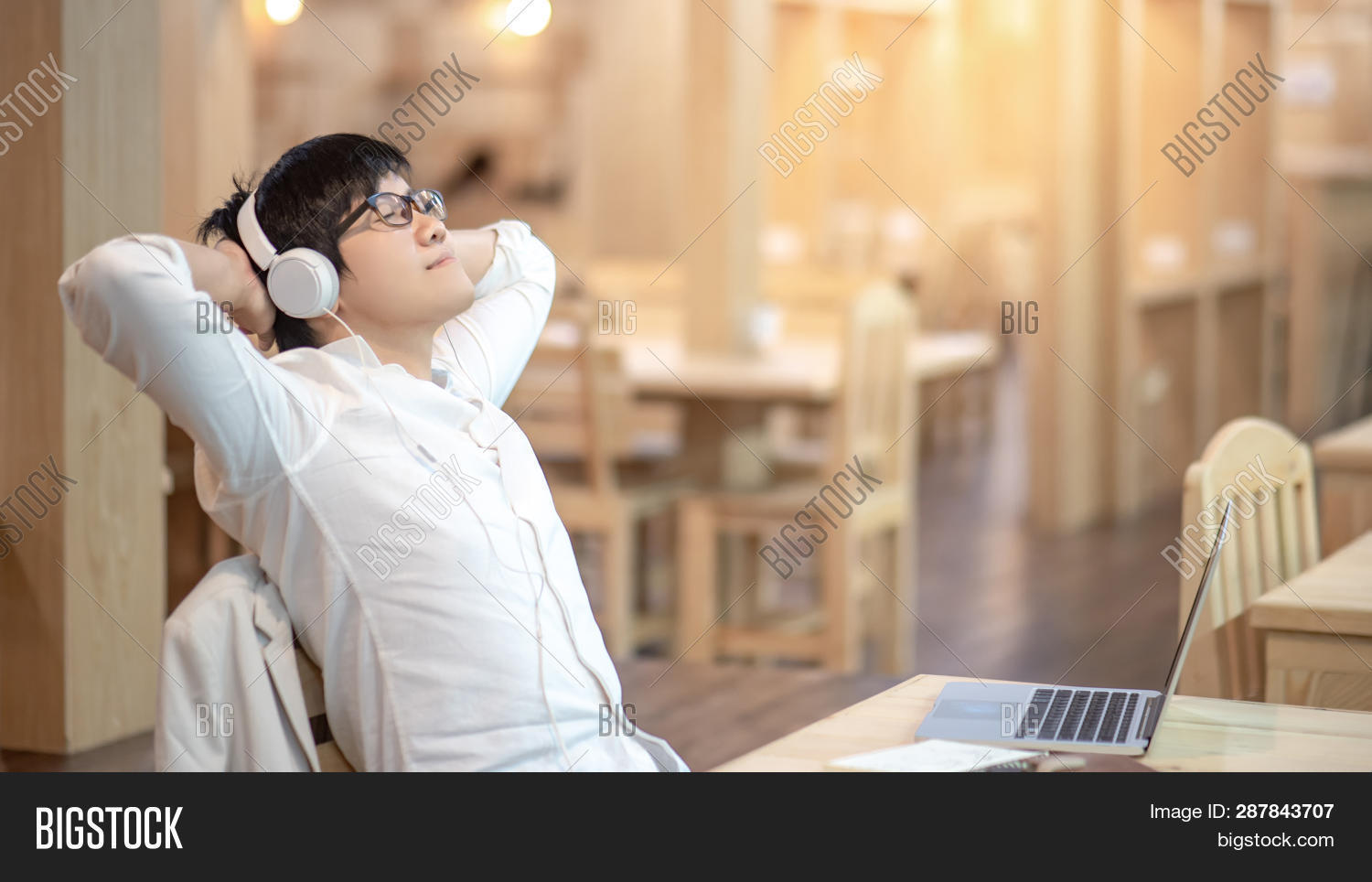 app,application,asian,beat,break,cafe,carefree,computer,dj,enjoy,entertainment,expressing,glasses,guy,happy,headphones,headset,hipster,internet,laptop,leisure,lifestyle,listening,male,man,media,mobile,mp3,multimedia,music,online,people,person,player,playing,portrait,radio,recreation,relaxation,relaxing,rest,smile,sound,streaming,table,technology,track,trendy,working