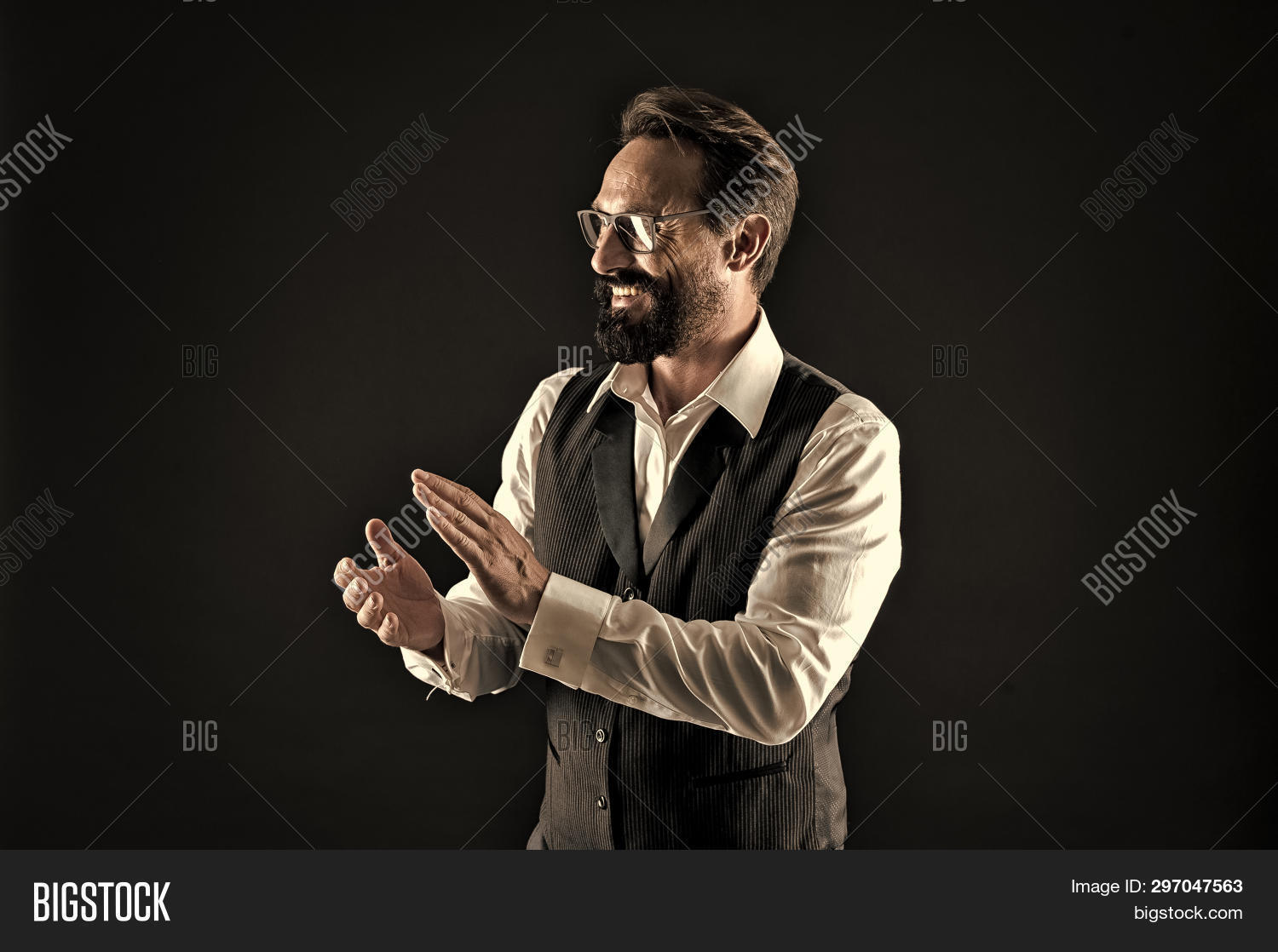 about,adult,applause,approve,background,beard,bearded,black,boss,bravo,broker,business,businessman,ceo,clap,classic,clothing,conference,confident,convention,director,elegant,employer,excited,experienced,formal,genius,groomed,hand,handsome,hipster,loud,man,manager,mature,mustache,project,something,speaker,success,successful,suit,tips,unshaven,well