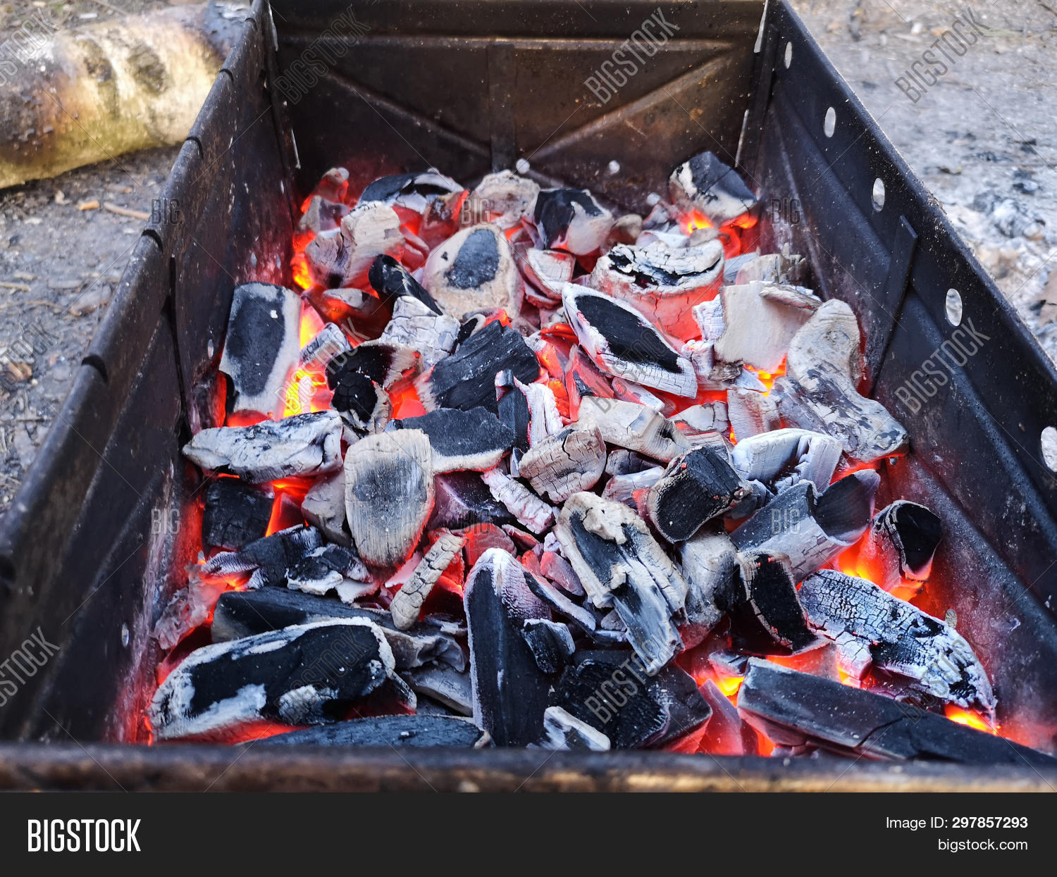 4k,adventure,ash,background,barbecue,barbeque,bbq,beautiful,black,blaze,blazing,bonfire,burn,camping,charcoal,closeup,coal,cook,cooking,dangerous,delicious,energy,fire,fireplace,food,garden,glowing,grass,grate,green,grill,grilling,heat,hot,inferno,lifestyle,meal,meat,metal,nature,outdoor,party,picnic,red,relax,ribs,smoke,steel,summer,wood